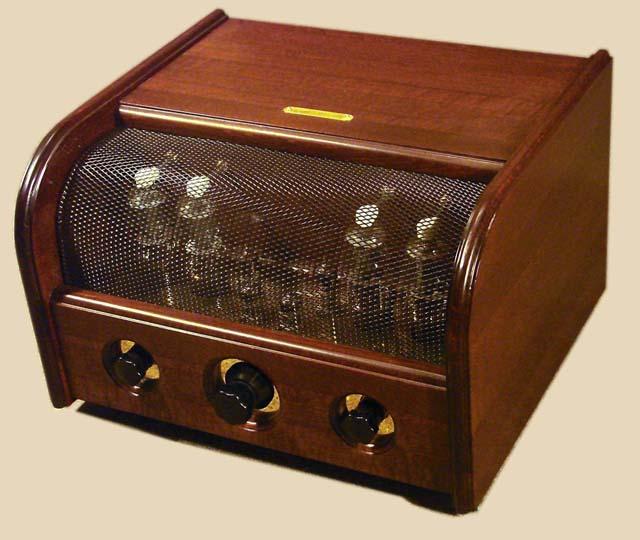 Стереофонический ламповый двухтактный усилитель.  На выходе использованы лампы Г-807 Мощность более 2х50Вт.